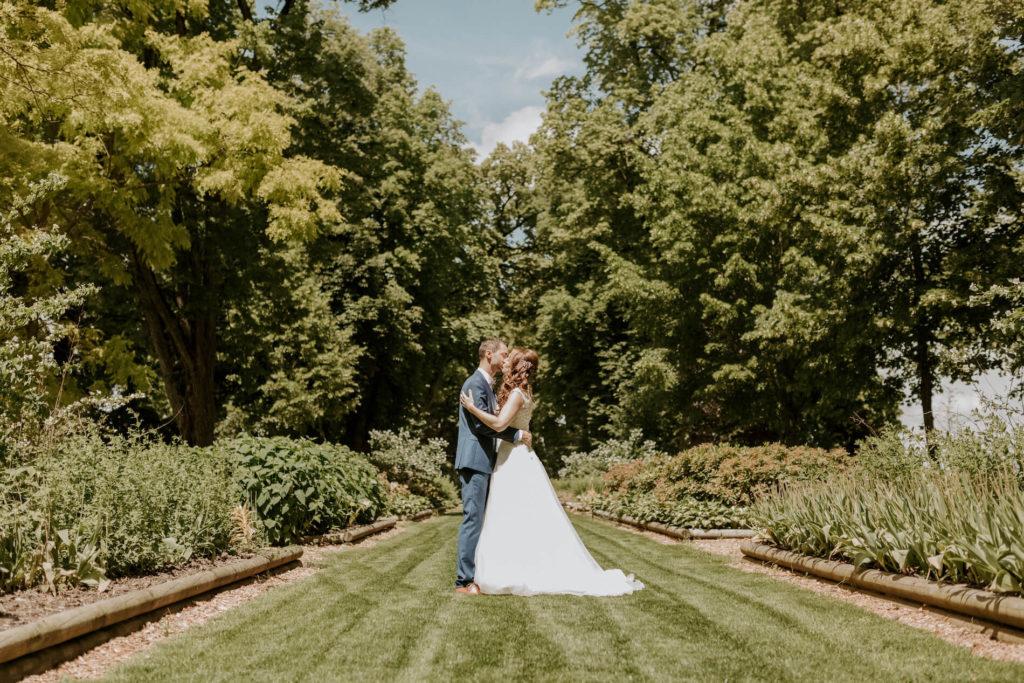 portes des iris ceremonie laique 1024x683 - Le mariage de Vincent & Laetitia aux Portes des Iris