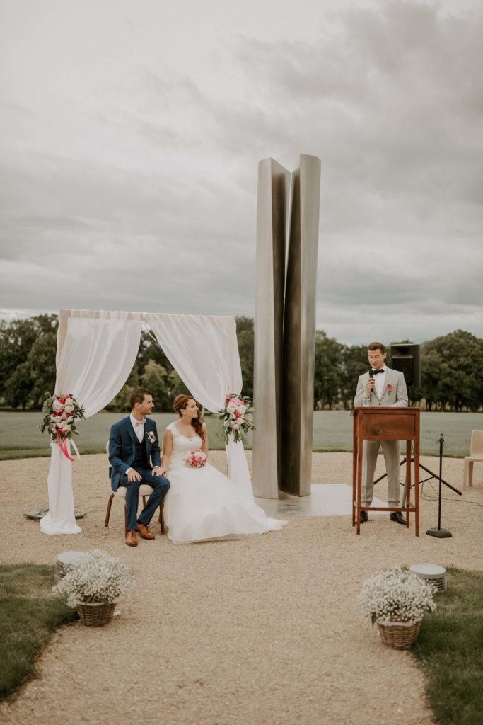 portes des iris ceremonie laique 14 683x1024 - Le mariage de Vincent & Laetitia aux Portes des Iris