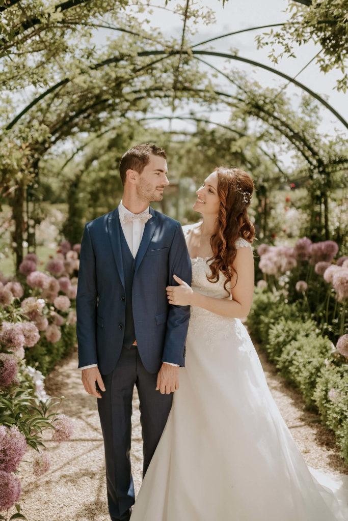 portes des iris ceremonie laique 3 683x1024 - Le mariage de Vincent & Laetitia aux Portes des Iris