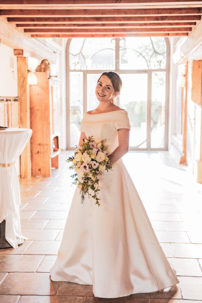 portes des iris mariage 10 683x1024 - Des dizaines de spots photos originaux<p>en exclusivité au Domaine du Château de Vullierens</p>