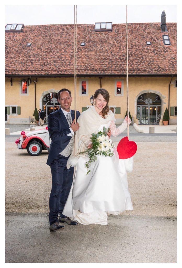 portes des iris mariage 6 1 696x1024 - Des dizaines de spots photos originaux<p>en exclusivité au Domaine du Château de Vullierens</p>
