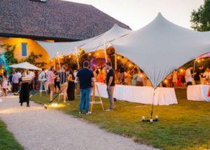 portes des iris garden party 300x214 - Garden Party au coeur des jardins les plus spectaculaires de Suisse