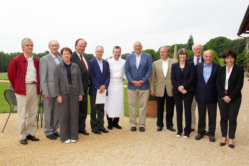 portes des iris conseil federal - La mission de faire du Domaine du Château de Vullierens un lieu incontournable pour les amateurs de jardins et d'art ainsi que pour l'organisation d'événements