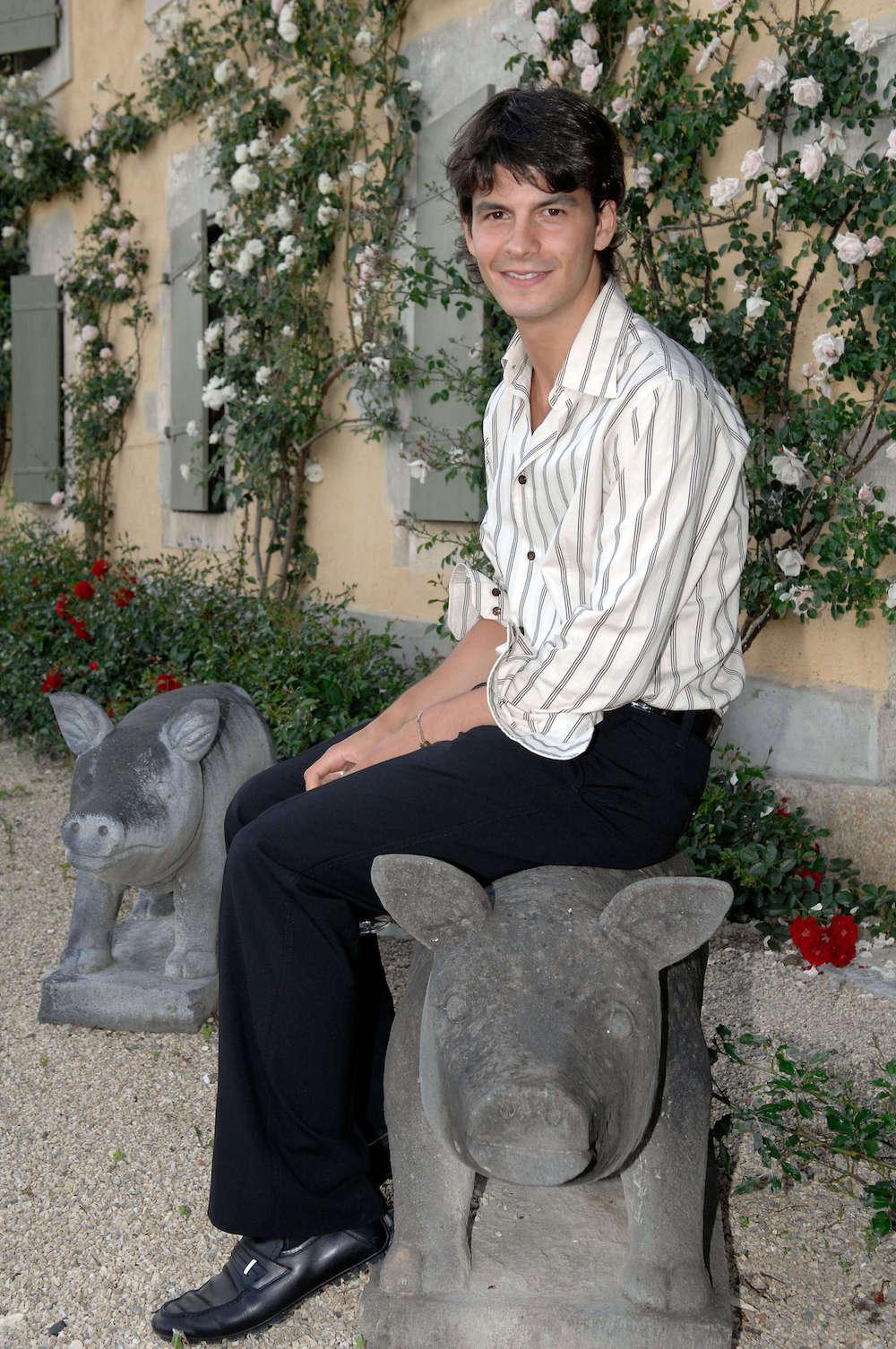 portes des iris yann lambiel - La mission de faire du Domaine du Château de Vullierens un lieu incontournable pour les amateurs de jardins et d'art ainsi que pour l'organisation d'événements