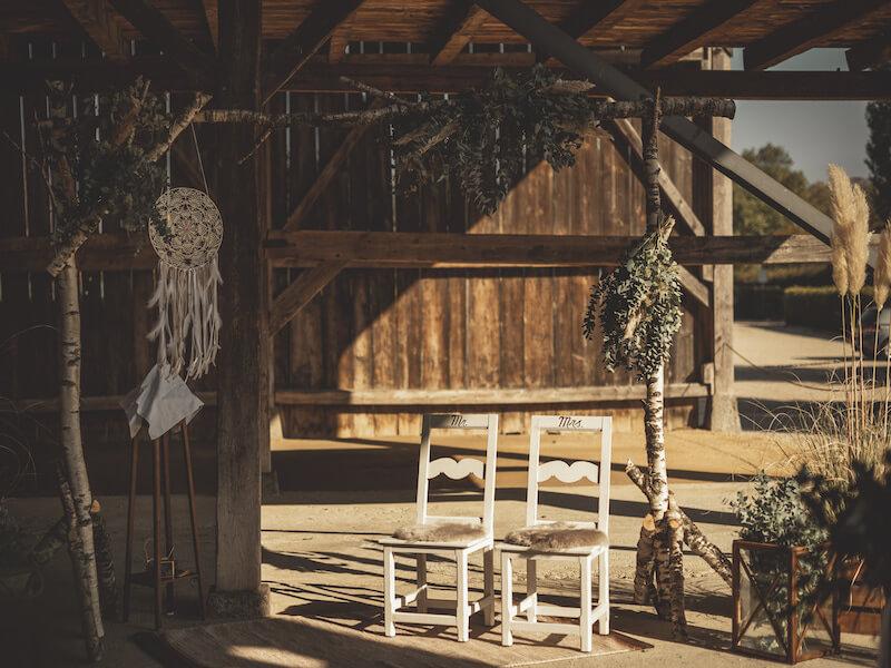 portes des iris hangar mariage - Notre ancien hangar à foin - un atout de taille pour votre événement