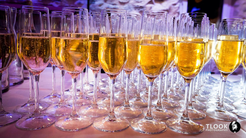 TLOOK 704 web2 champagne copie - Comment surprendre vos invités par de petites attentions originales?