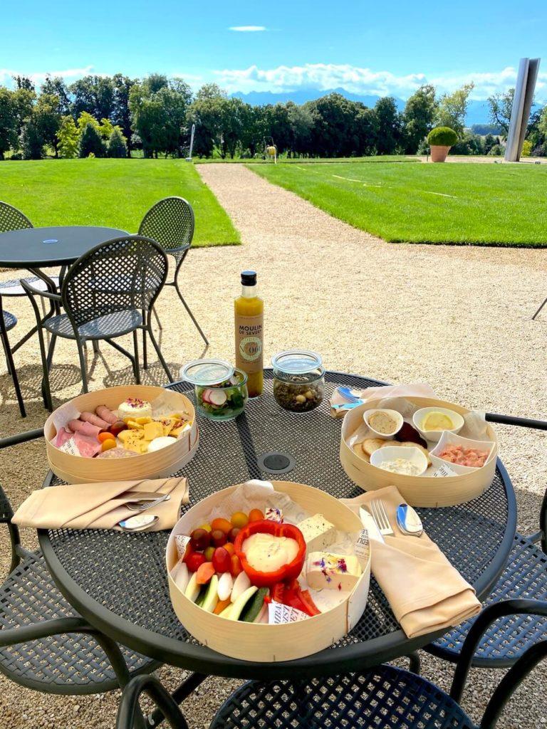 picnic in the park 768x1024 - Organiser un événement en période post-confinement. Nos réflexions de professionnels de l'événementiel et nos tips.