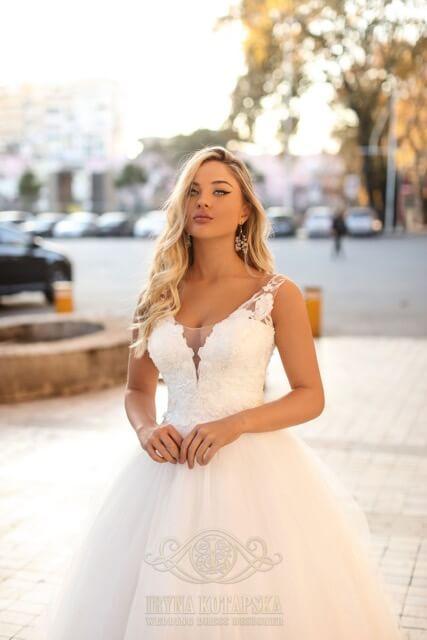 portes des iris robes de mariee for ever 2 - Robe traditionnelle ou bohème? Smoking ou sexy? A votre image ou pour plaire au futur marié ou à la future mariée?