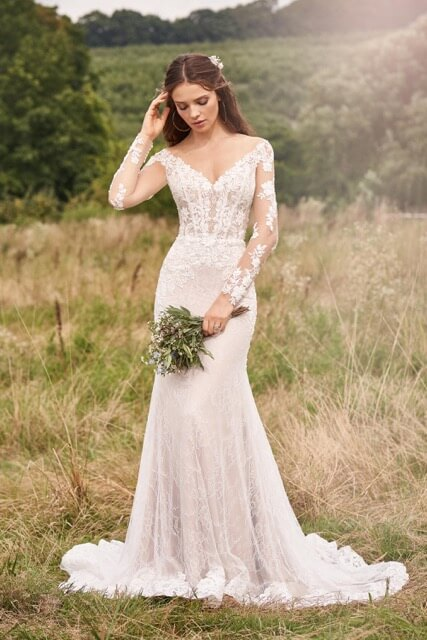 portes des iris robes de mariee for ever 5 - Robe traditionnelle ou bohème? Smoking ou sexy? A votre image ou pour plaire au futur marié ou à la future mariée?