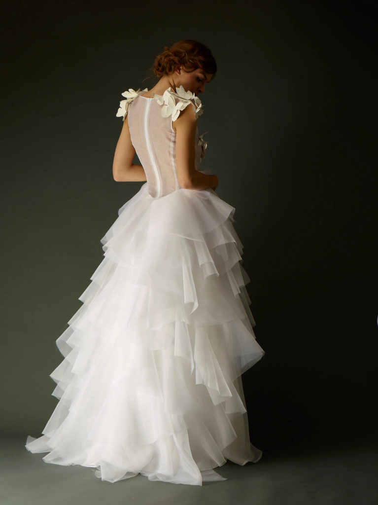 portes des iris robes de mariee gueule d ange 08 767x1024 - Robe traditionnelle ou bohème? Smoking ou sexy? A votre image ou pour plaire au futur marié ou à la future mariée?