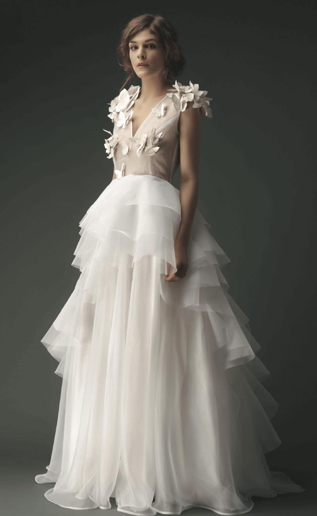 portes des iris robes de mariee gueule d ange 10 629x1024 - Robe traditionnelle ou bohème? Smoking ou sexy? A votre image ou pour plaire au futur marié ou à la future mariée?