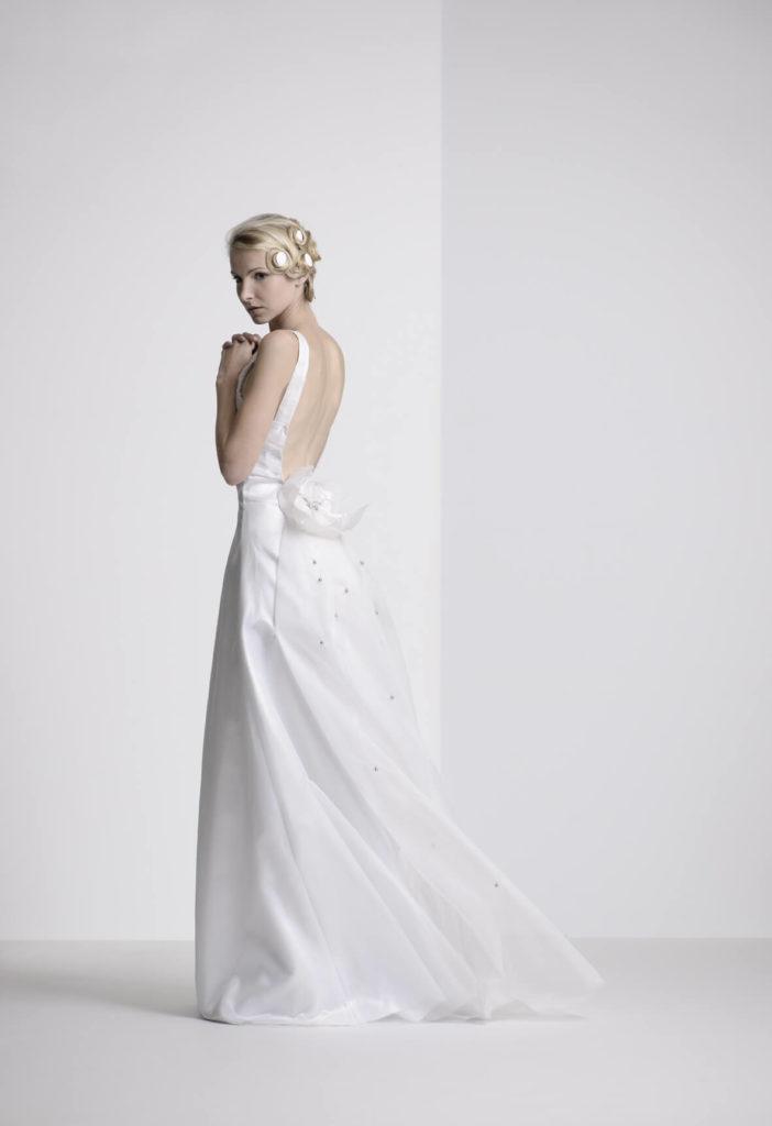 portes des iris robes de mariee gueule d ange 16 702x1024 - Robe traditionnelle ou bohème? Smoking ou sexy? A votre image ou pour plaire au futur marié ou à la future mariée?