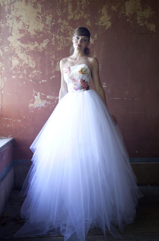 portes des iris robes de mariee gueule d ange 17 676x1024 - Robe traditionnelle ou bohème? Smoking ou sexy? A votre image ou pour plaire au futur marié ou à la future mariée?