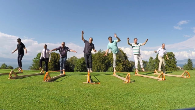 portes des iris slack line teambuilding 640x360 - Organize an event in the post-confinement period. Our reflections as event professionals and our tips.