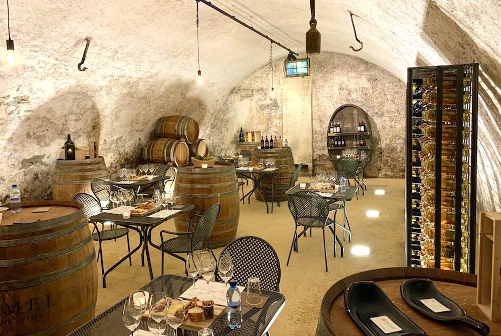 chateau de vullierens balade oenologique e1604047623575 - Julie Haering, coordinatrice marketing au Château de Vullierens