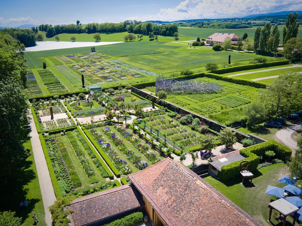 chateau de vullierens vue aerienne - Julie Haering, coordinatrice marketing au Château de Vullierens