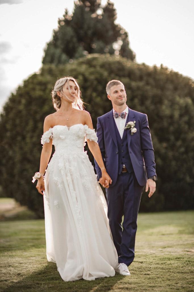 portes des iris robes de mariee belle en blanc 7 683x1024 - Robe traditionnelle ou bohème? Smoking ou sexy? A votre image ou pour plaire au futur marié ou à la future mariée?
