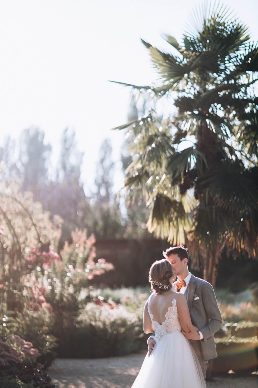 portes des iris robes de mariee with love boutique 9 - Robe traditionnelle ou bohème? Smoking ou sexy? A votre image ou pour plaire au futur marié ou à la future mariée?