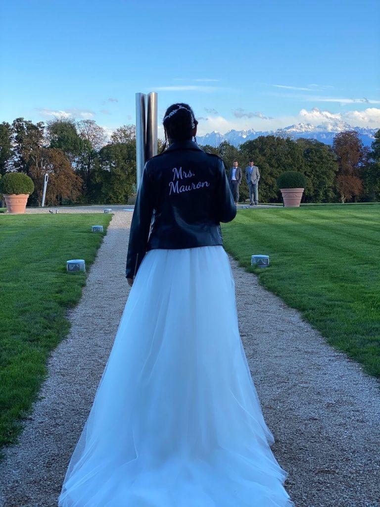 portes des iris robes de mariees belle en blanc 2 768x1024 - Robe traditionnelle ou bohème? Smoking ou sexy? A votre image ou pour plaire au futur marié ou à la future mariée?