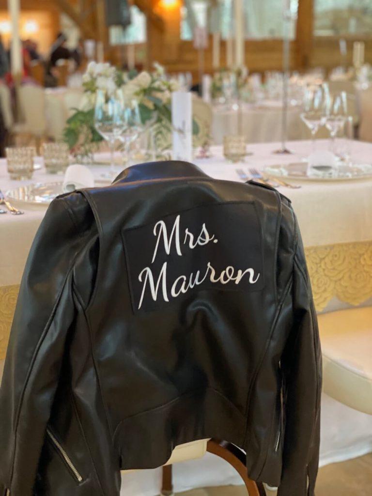 portes des iris robes de mariees belle en blanc 3 768x1024 - Robe traditionnelle ou bohème? Smoking ou sexy? A votre image ou pour plaire au futur marié ou à la future mariée?
