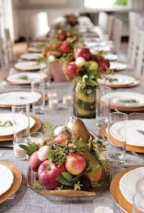 portes des iris mariage eco responsable deco fruits 1 203x300 - An eco-responsible wedding? What are the best practices?