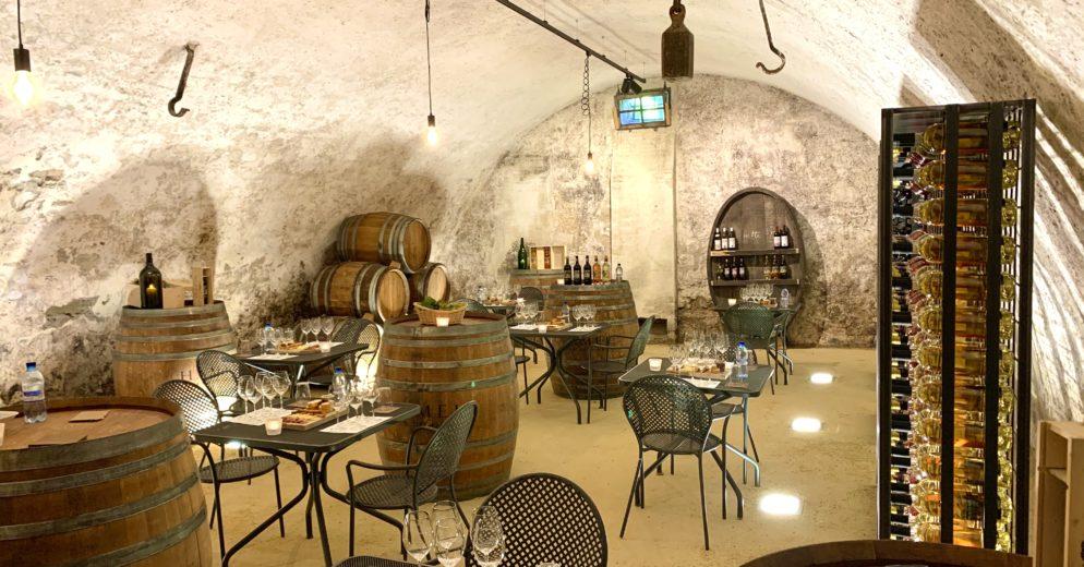 IMG 8791 994x520 - Dégustation des vins du domaine possible dans les caves historiques du Château!